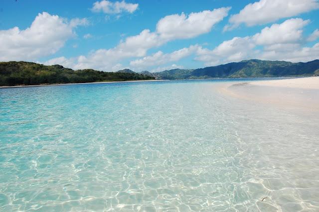 5 Pantai Paling  Indah Yang Cocok Untuk Bulan Madu di Indonesia-Pantai Gili di Lombok