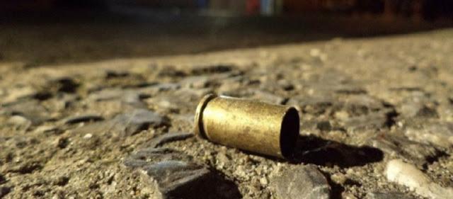 Homem é morto a tiros dentro de casa enquanto assistia TV em Aramari