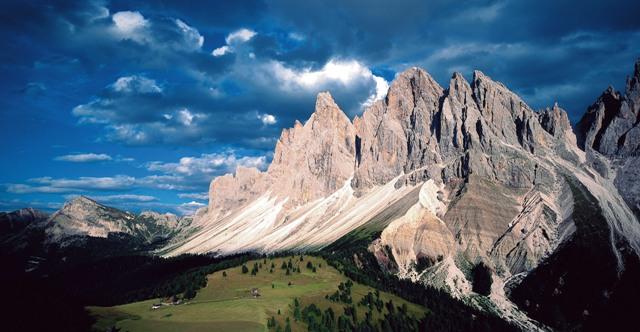 Alpes Dolomitas Senderismo y escalada