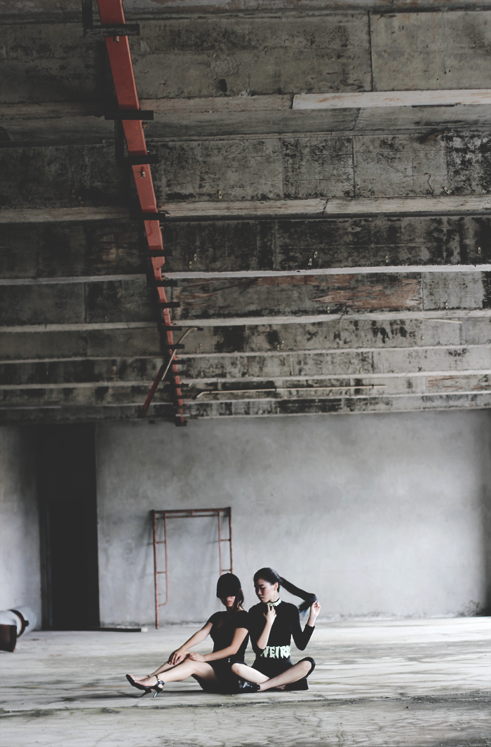 avant garde grunge minimal outfit editorial photoshoot leather skirt turtleneck heels black the mayden discofissh