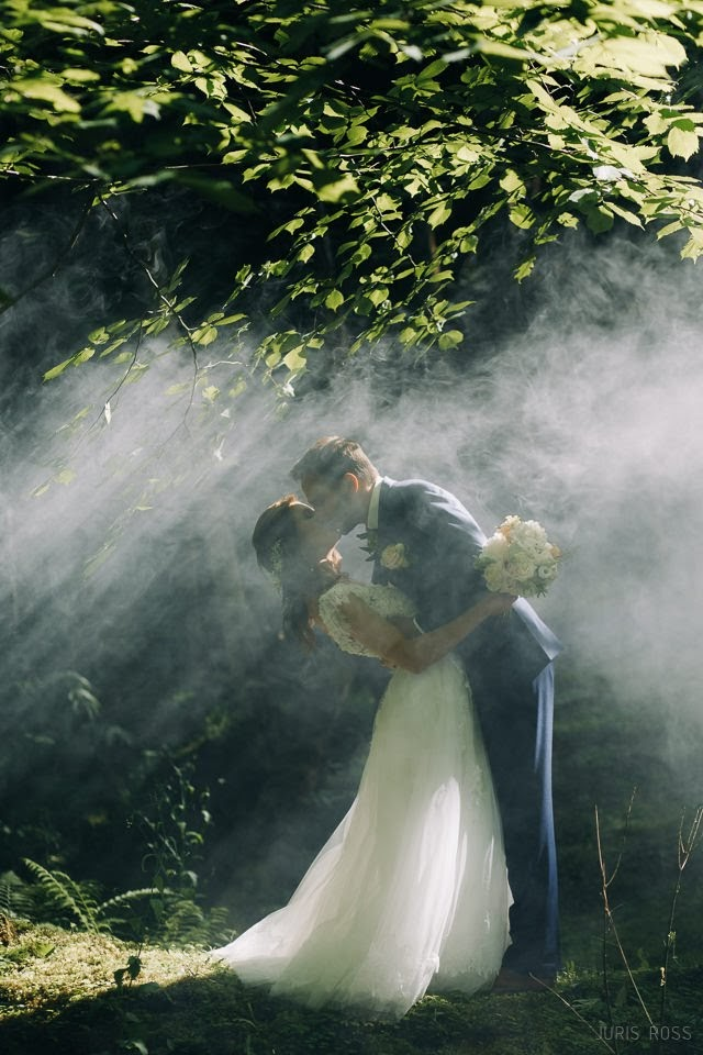 skaista vieta kāzu fotosesija