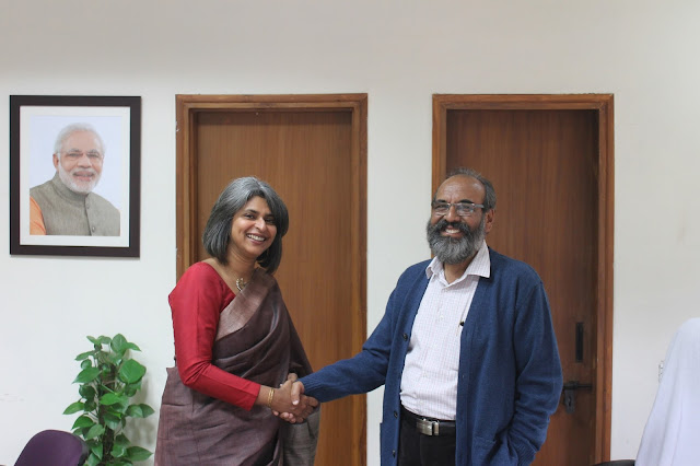 (L to R) Nandita Abraham, CEO - Pearl Academy with Dr. Ravindra Kumar, Vice Chancellor - Indira Gandhi National Open University
