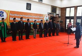 Wali Kota Surabaya, saat melantik di lobby lantai II Balai Kota Surabaya