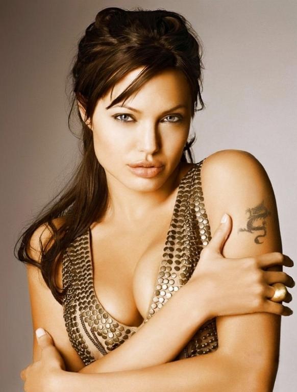 Angelina jolie pussy lip — photo 3