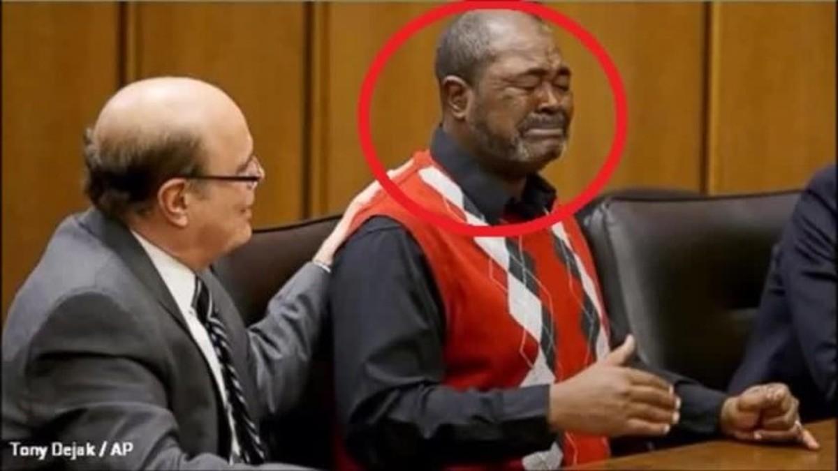 بعد سجنه 40 سنه و هو مضلوم طلب منه أي تعويض يريد فكان الرد غريبا جدا