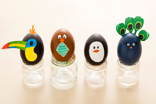 декоративные пасхальные яйца, из чего можно сделать пасхальное яйцо, пасхальные яйца своими руками пошагово, декоративные яйца с лентами, декоративные яйца с докупающем, декоративные яйца из бумаги, декоративные яйца из бисера, декоративные яйца в домашних условиях декоративные яйца идеи фото, пасхальные яйца картинки, пасхальные украшения своими руками пошагово, пасхальные сувениры, пасхальные подарки, своими руками, пасхальный декор, как сделать декор на пасху, пасхальный декор своими руками, красивый пасхальный декор в домашних условиях, Мастер-классы и идеи, Ажурное бумажное яйцо к Пасхе, Декоративные пасхальные яйца в виде фруктов и овощей,, «Драконьи» пасхальные яйца (МК) Идеи оформления пасхальных яиц и композиций, Имитация античного серебра на пасхальных яйцах, Мозаичные яйца, Пасхальный декупаж от польской мастерицы Asket, Пасхальные мини-композиции в яичной скорлупе,, Пасхальные яйца в декоративной бумаге, Пасхальные яйца в технике декупаж, Пасхальные яйца, оплетенные бисером, Пасхальные яйца, оплетенные нитками, Пасхальные яйца с ботаническим декупажем, Пасхальные яйца с марками, Пасхальные яйца с тесемками и ленточками, Пасхальные яйца с юмором, Скрапбукинговые пасхальные яйца, Точечная роспись декоративных пасхальных яиц, Украшение пасхальных яиц гофрированной бумагой, Яйцо пасхальное с ландышами из бисера и бусин, Декоративные пасхальные яйца: идеи оформления и мастер-классы,декор пасхальный, декор яиц, Пасха, подарки пасхальные, рукоделие пасхальное, яйца, яйца пасхальные, яйца пасхальные декоративные, роспись, оформление красками, оформление росписью, птички,зверушки, юмор, персонажи, для детей, из яичной скорлупы, Новый год, Рождество, игрушки на елку, игрушки новогодние, игрушки из яиц, http://prazdnichnymir.ru/ яйца на пасху и игрушки из яиц на новый год