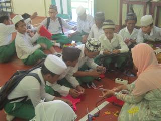 Pelatihan Kerajinan Tangan kain flanel bersama Husna Gallery