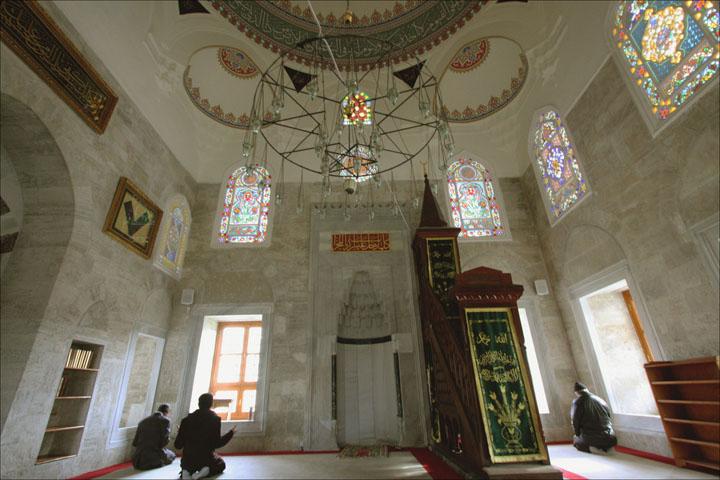 istanbuldaki cami içine ait resimler