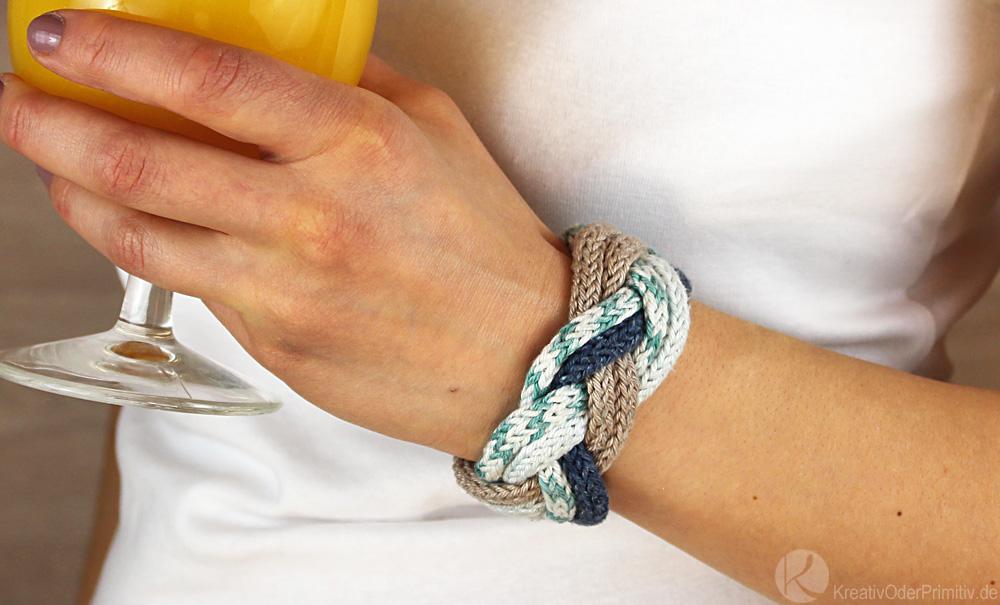Kreativ oder primitiv strickliesel schmuck breite armb nder for Strickliesel basteln