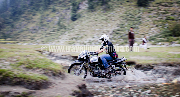 Glimpses of Mountain Terrain Biking in Himacal Pradesh - A pure PHOTO JOURNEY from 2010 to 2011, Agricuture, Early Morning, Farmer's Market, Fields, Hard Work, Himachal Pradesh, himalayas, People, Sunset, bike, Bike and Hike, Colorful, Cycling, Hills, Himachal Pradesh, himalayas, Mountain Terrain Biking, MTB Himachal 2010, Panning, Riders, Valley, INDIA, HASTPA, Himachal Tourism, Herules, T1 cycles