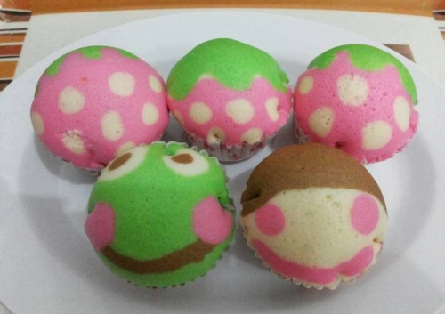 Cara Membuat Kue Bolu Kukus Karakter
