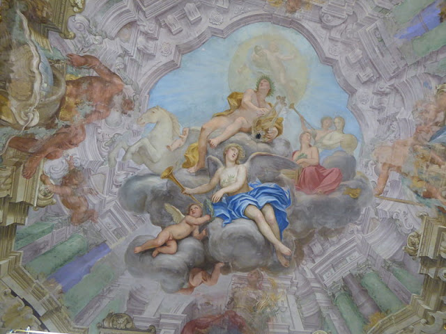 affresco che raffigura Apollo nel palazzo franzone spinola