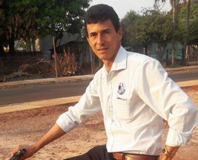Ex-gari, agora eleito Prefeito no Mato Grosso vai de bicicleta para solenidade de posse