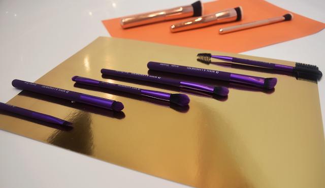 Royal Contour brush set, Royal & Langnickel Moda Beautiful Eyes brush set.