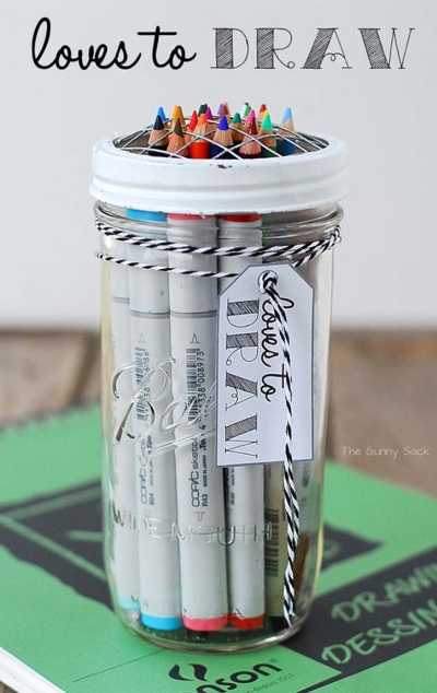 Loves To Draw Gift In A Jar. Foto: thegunnysack