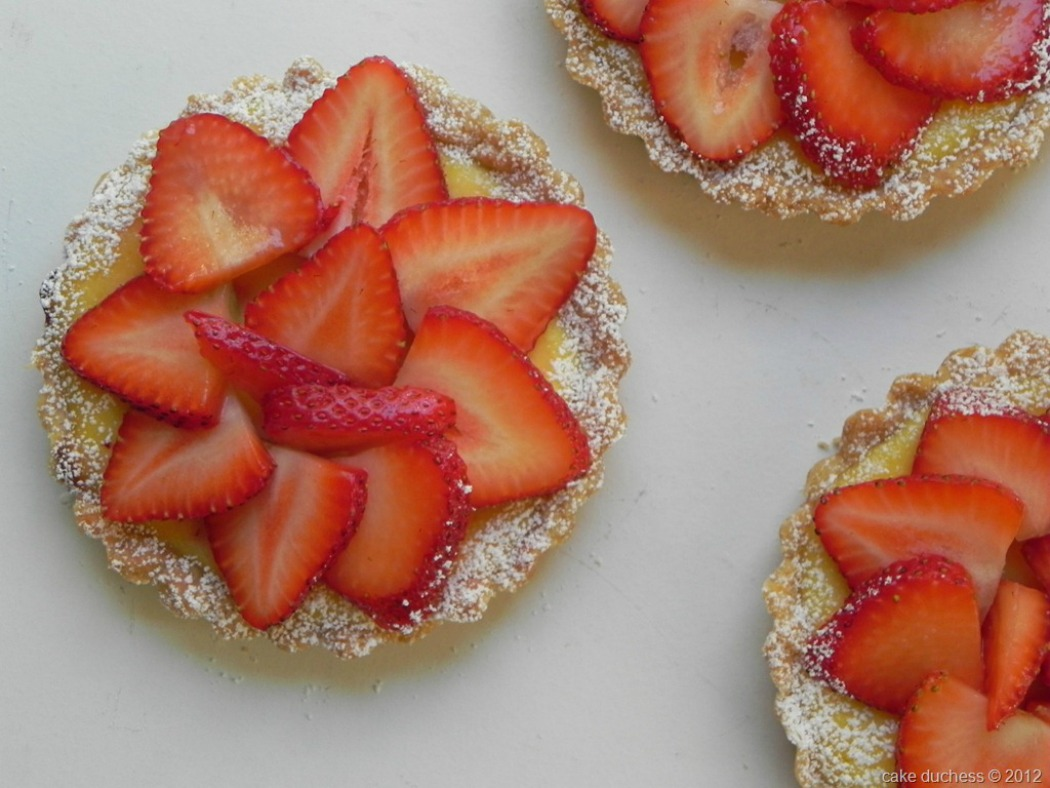 Strawberry and Ricotta Tarts-Crostate di Ricotta e Fragole