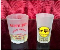 Souvenir gelas dengan aneka model, grosir souvenir gelas, souvenir gelas paling murah, Souvenir Gelas Sloki, gelas wine, Souvenir Pernikahan Gelas Murah, Gelas Doff Souvenir Unik, Gelas Mug Kaca Souvenir