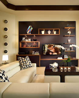Pequeña sala marrón