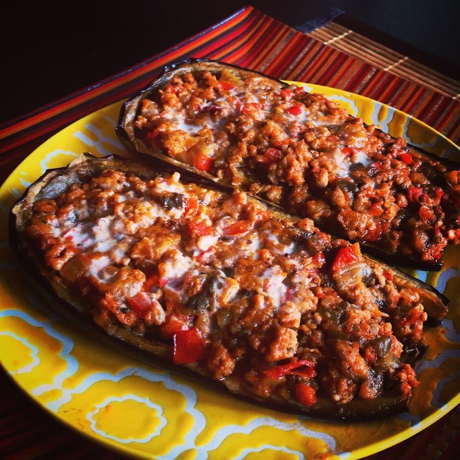 berenjenas rellenas de carne criolla y bechamel (sin lactosa)