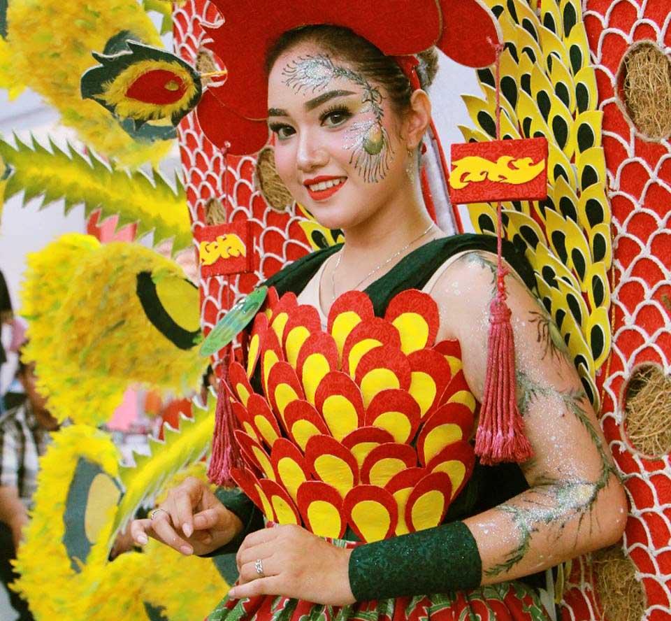 Menengok Ajang Tahunan Pekan Batik Nusantara - Kostum Batik Karnival Pekalongan 2018