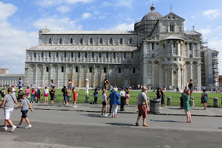 A shot of  Pisa Cathedral from the side