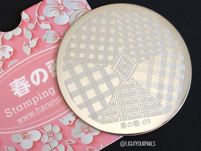 Nail stamping plate Harunouta 09 at Bornprettystore