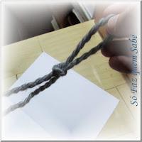 Foto mostrando um nó corrediço, também chamado de nó deslizante.