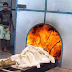 See how the Hindu body is burnt in the machine. Burned ash in 5 seconds Watch in the video