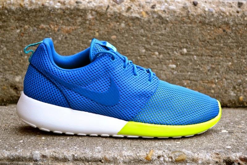 Descolorar portón antecedentes  SNEAKER BISTRO - Streetwear Served w  Class: KICKS   Nike Roshe Run ( Military Blue/Turbo Green)
