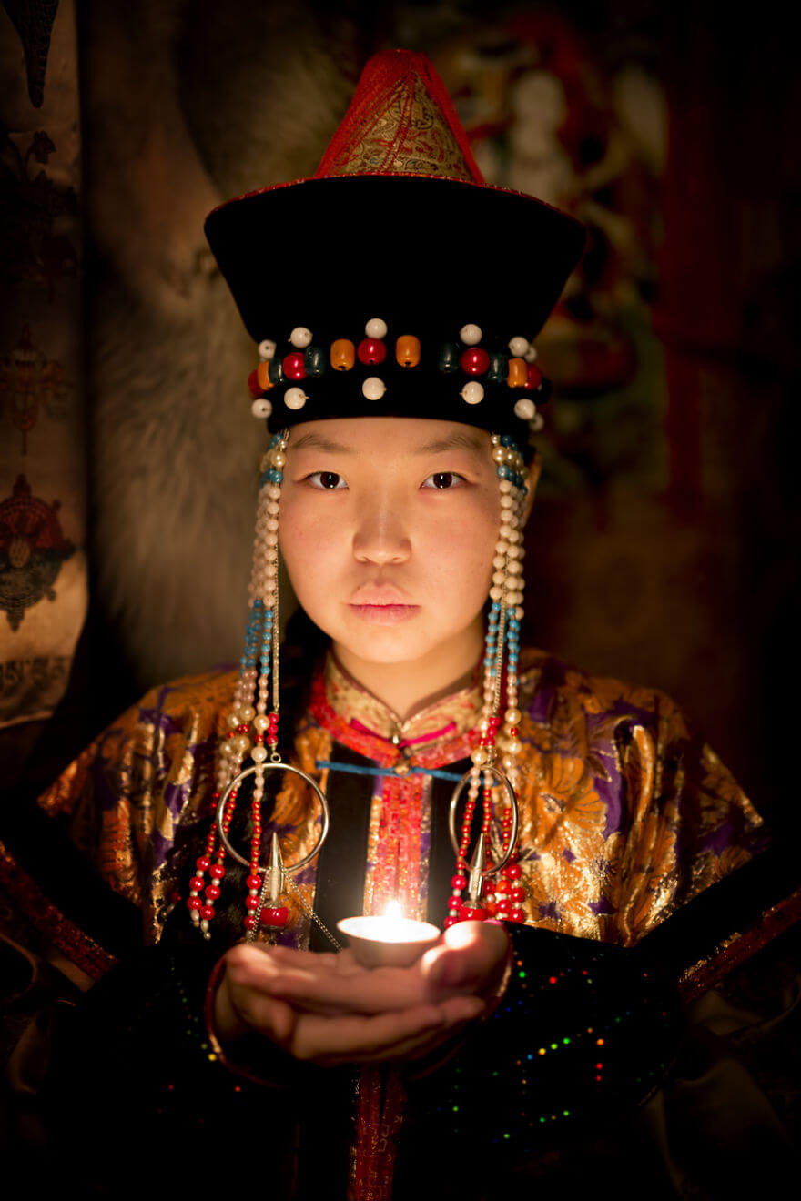 He Traveled 25000 Km In Siberia To Capture The Beauty Of Its Indigenous People With His Camera. The Pictures Are Breathtaking! - Buryat Girl