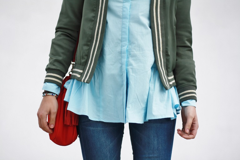 http://www.shein.com/Blue-Long-Sleeve-Lapel-Ruffle-Blouse-p-244466.html?utm_source=anouckinhascloset.blogspot.com&utm_medium=blogger&url_from=anouckinhascloset
