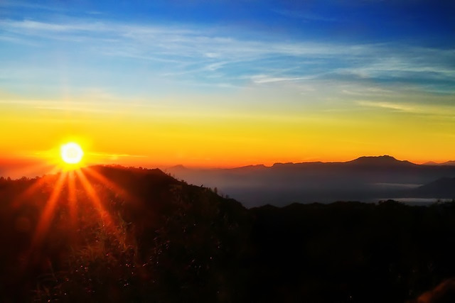 Sunrise Bromo, Ijen Bromo Package,  Best Holidays come to east java visit different location tourism, Ijen crater and Mount Bromo, which ijen crater has uniqueness blue fire and panorama of the lake and mount bromo has beautiful of the sunrise with the 3D2N, ijen bromo package tours can from surabaya, ijen bromo from bali, ijen bromo, bromo trip, travel to bromo.