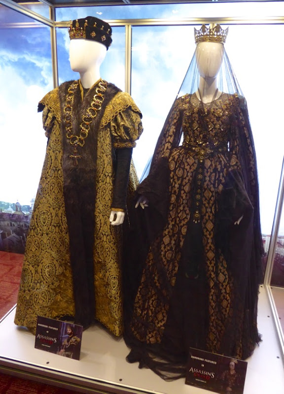 Assassin's Creed royal robes