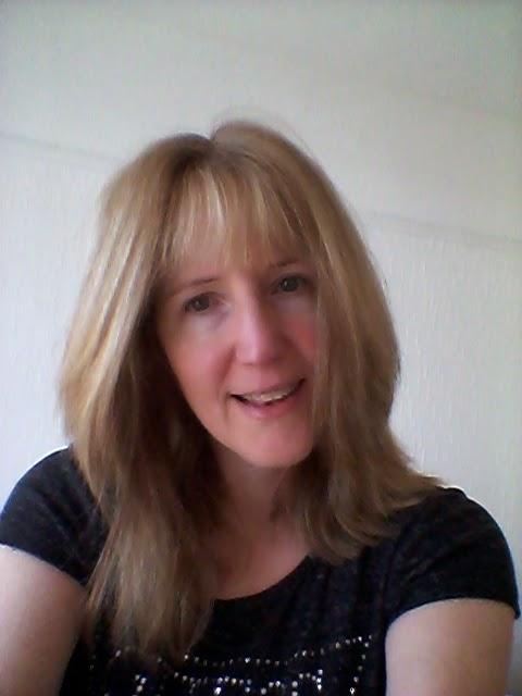 Linda Hobbis, Mother Distracted