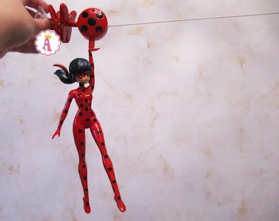Кукла Леди Баг в невероятном полете