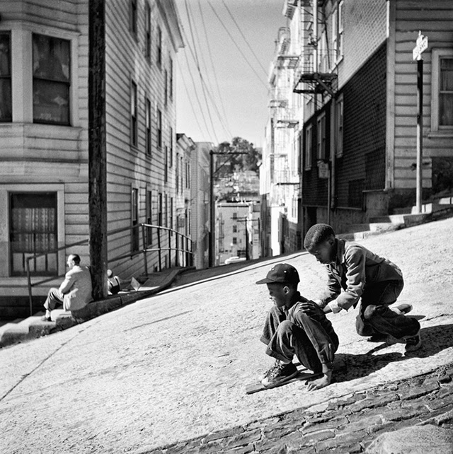 Below is a collection of stunning black and white photographs of san francisco taken by fred lyon from between the 1940s and 60s
