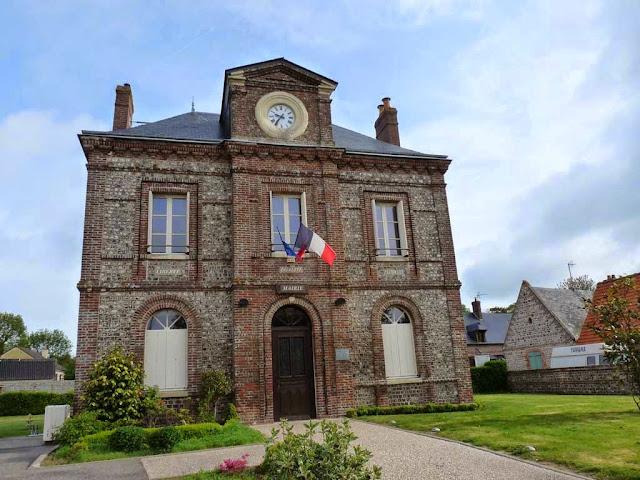 ソットゥヴィル= シュル=メール Sotteville-sur-Merの町役場