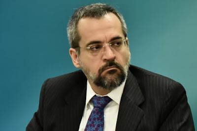 MEC corta verba de universidades por 'balbúrdia'