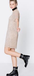 http://www.pullandbear.com/pl/pl/dla-niej/odzie%C5%BC/sukienki/metalizowana-sukienka-z-kr%C3%B3tkim-r%C4%99kawem-c29016p100756503.html#302
