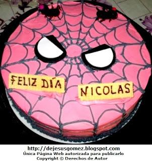 Torta con diseño de la Tela de araña del Hombre araña. Foto de torta de Jesus Gómez