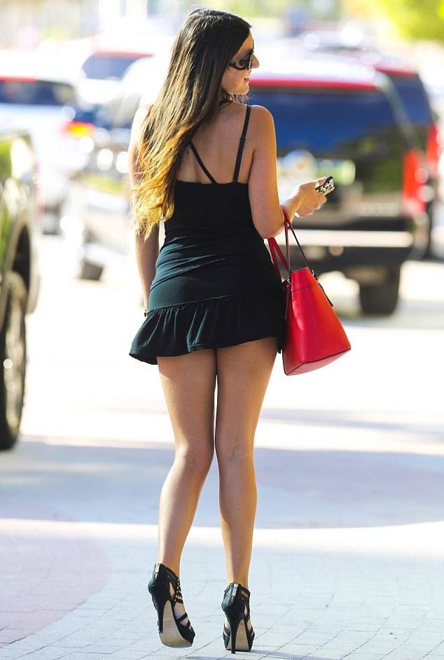 Sexy Girls In Short Dresses