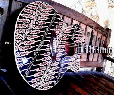 gitar motif batik parang