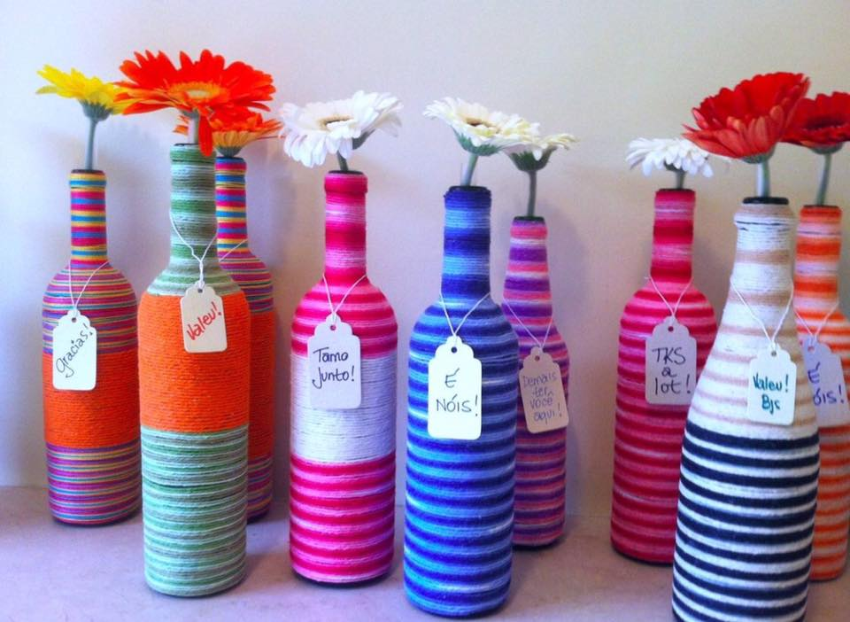 M s y m s manualidades 6 originales t cnicas para decorar for Decoraciones de botes de plastico