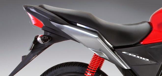 Honda CB110: Asientos
