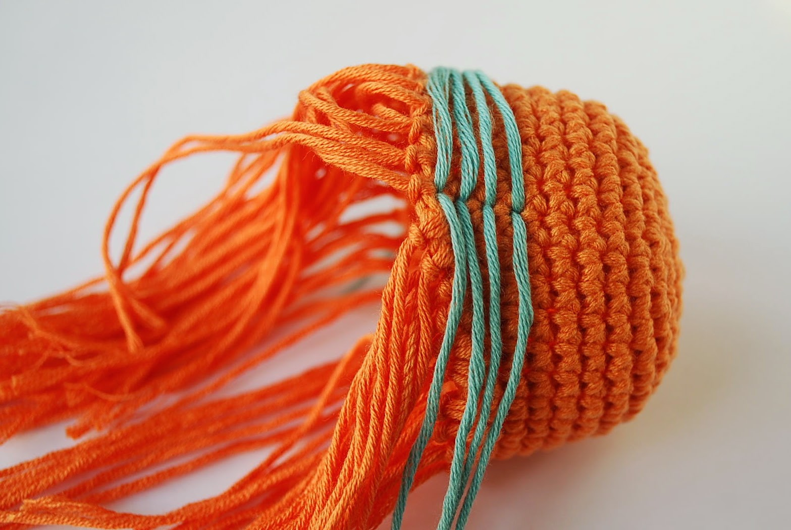 how to add hair in amigurumis