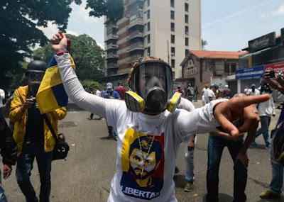 MARINES USA FRA GLI AGENTI PROVOCATORI IN VENEZUELA