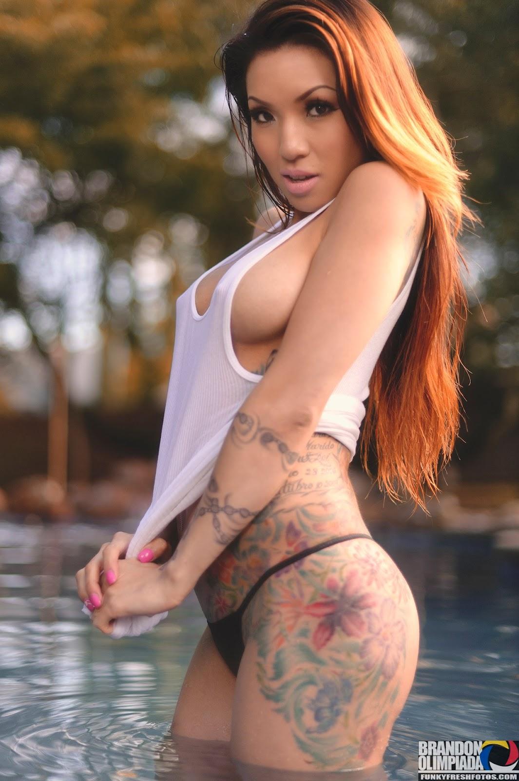 Lady's Magazine: Sexy Tattoo