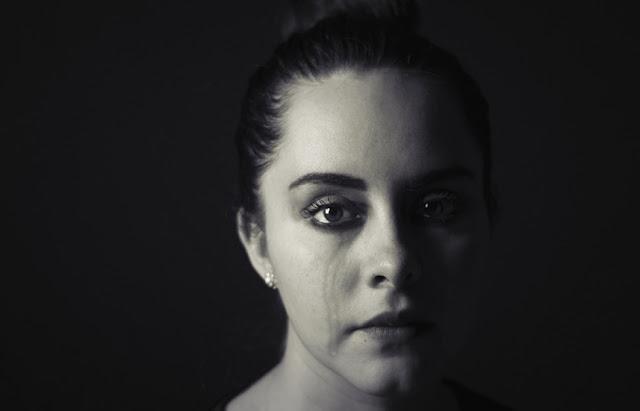 gambar-wanita-menangis