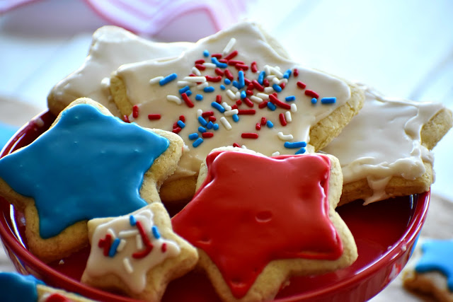 star shaped cookies on a cake plate
