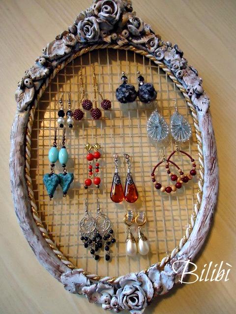 Bilib porta orecchini da una vecchia racchetta - Portaorecchini fai da te ...
